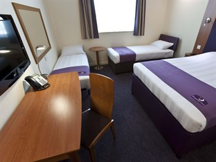 Premier Inn Abu Dhabi International Airport Abu Dhabi - Family Room