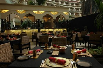 Sahara Star Mumbai Restaurants