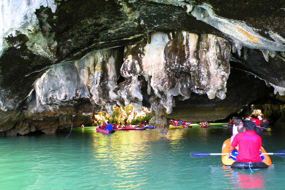 John Gray's Hong by Starlight and Kayak Tour