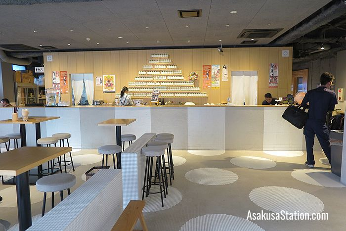Inside the 1st floor restaurant and bar: Izakaya Bunka
