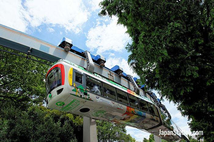 The graceful monorail in action