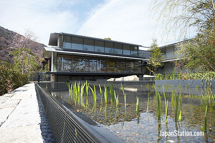 Fukuda Art Museum is located in Arashiyama, one of Kyoto's most scenic sightseeing destinations