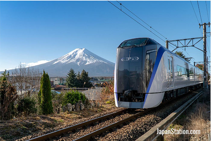 The Fuji Excursion train – also called the Fuji Kaiyu
