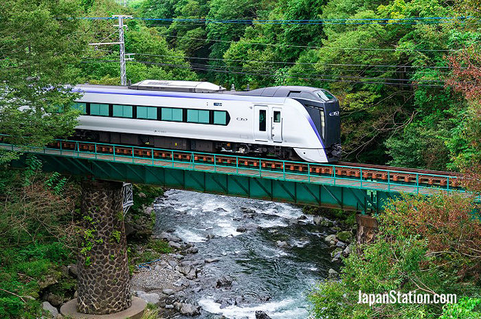 The Fujikyuko line follows a particularly scenic route