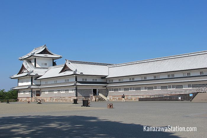 The entrance to the Gojikken Nagaya storehouse. The turret at the far end is called Hishi Yagura