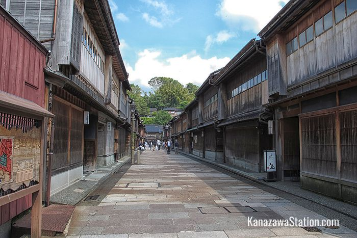 The wooden lattice fronted teahouses of Higashi Chaya-gai