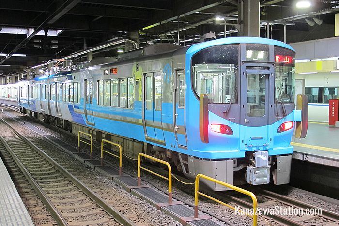IR Ishikawa Railway trains are colored pale blue