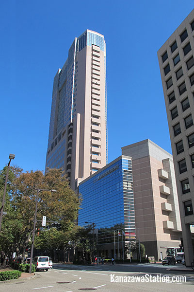 Hotel Nikko Kanazawa occupies a large part of the Porte skyscraper