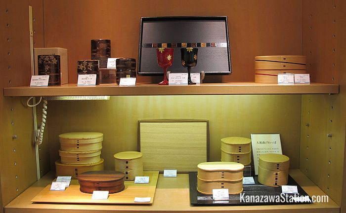Lacquerware and cedar wood lunch boxes on the 6th floor