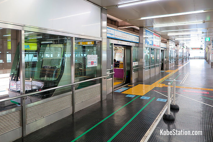 Port Liner platforms feature safety gates that open only when the train has arrived