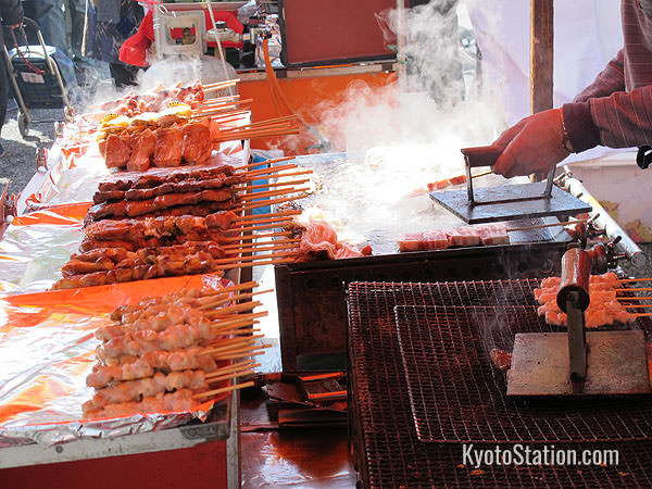 For a quick bite to eat why not try the yakitori (grilled chicken) stand?