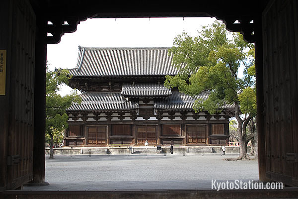 The Kondo or Main Hall viewed from the Minami Daimon, southern gate