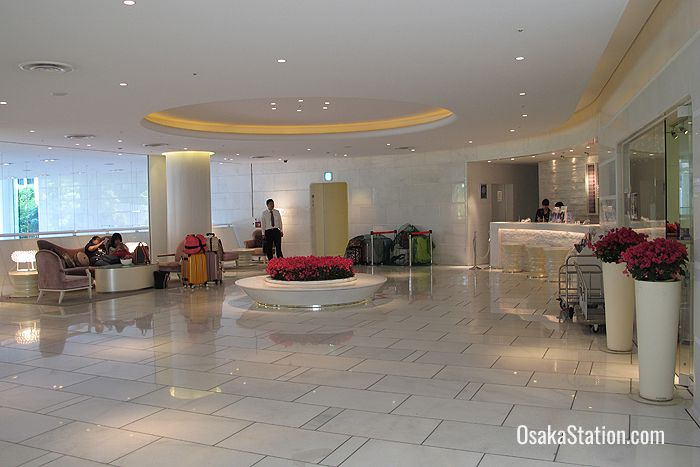 The Front Desk & Lobby area is on the 2nd floor