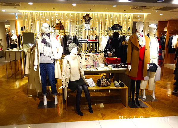 Estnation Bis is a women's casual wear retailer on Lumine 1's second floor