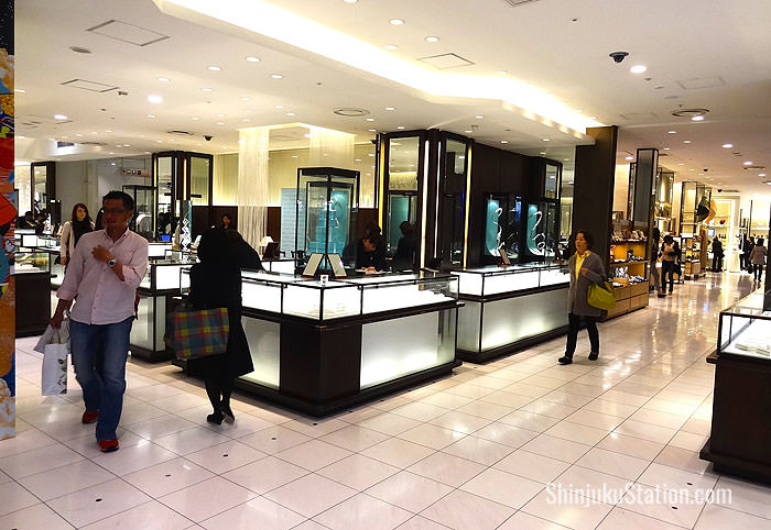 Cosmetics, accessories and luxury brands are on the first floor
