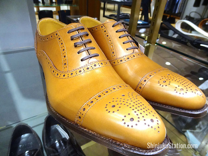 Semi-brogue shoes by Takeo Kikuchi
