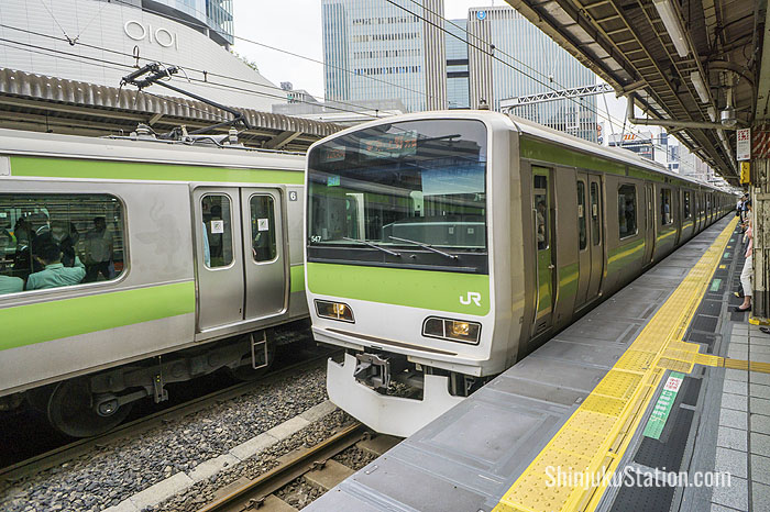 The Yamanote Line circles Tokyo almost around the clock