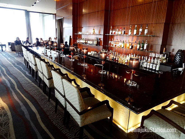 The Cocktail & Tea Lounge off the lobby has live piano music and views of Nishi Shinjuku