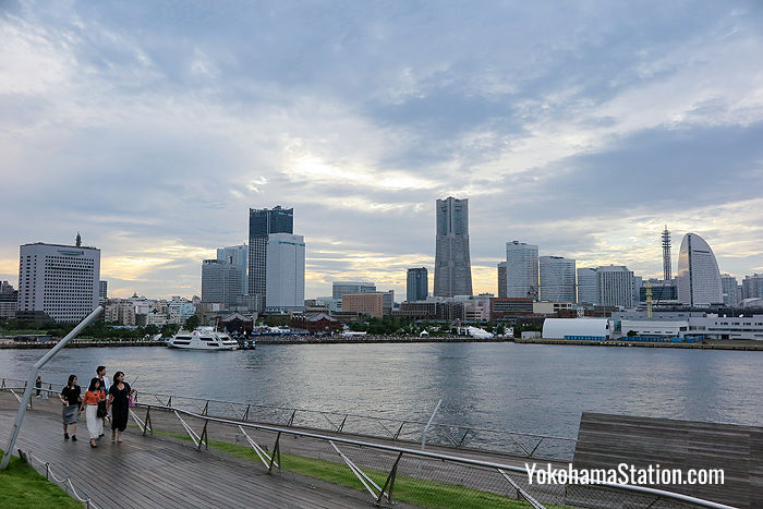 The rooftop view of Minato Mirai 21 from Osanbashi
